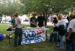 Food_not_bombs